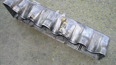 300SD 300D 300TD 300CD Valve Cover (used)