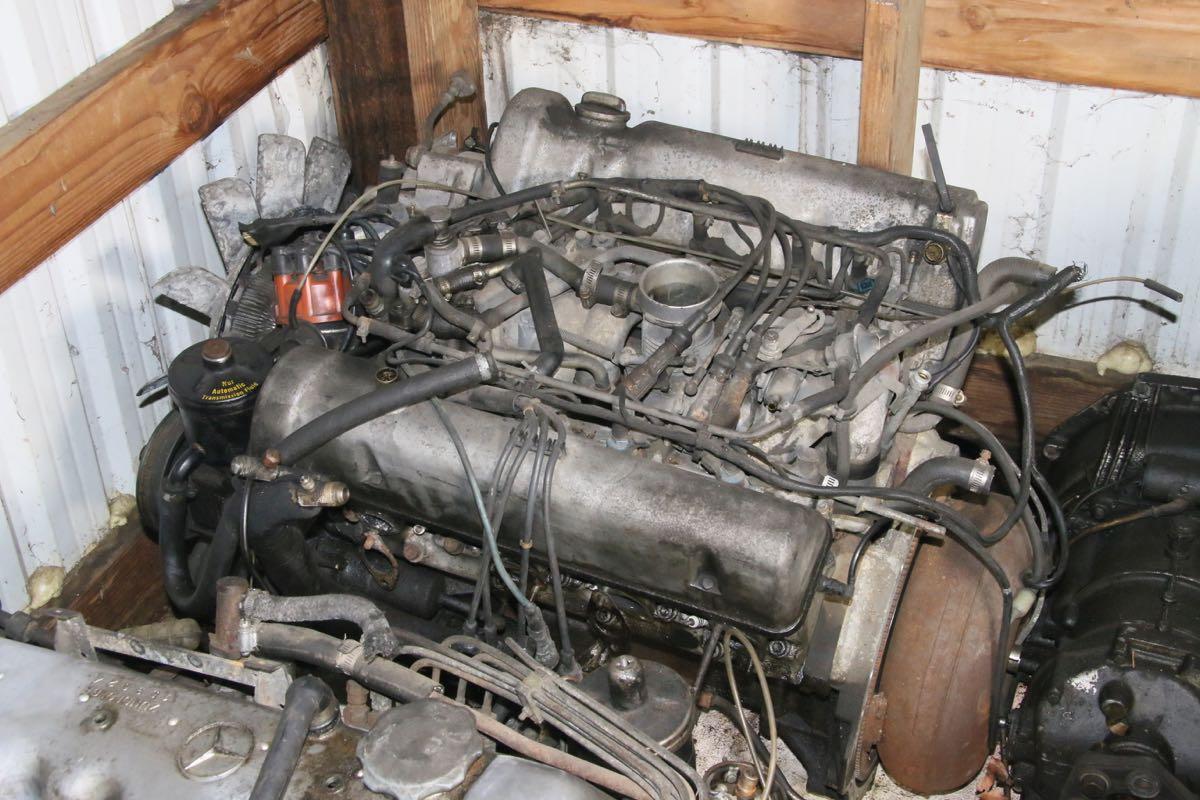 Engine on V8 Engine Parts