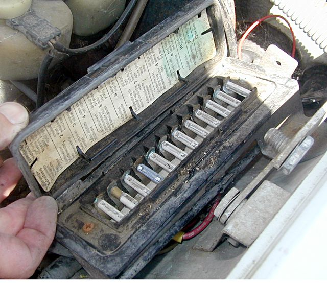 115fuseboxbad common mercedes problems & solutions tech help mercedessource com 1984 mercedes 380sl fuse box location at nearapp.co