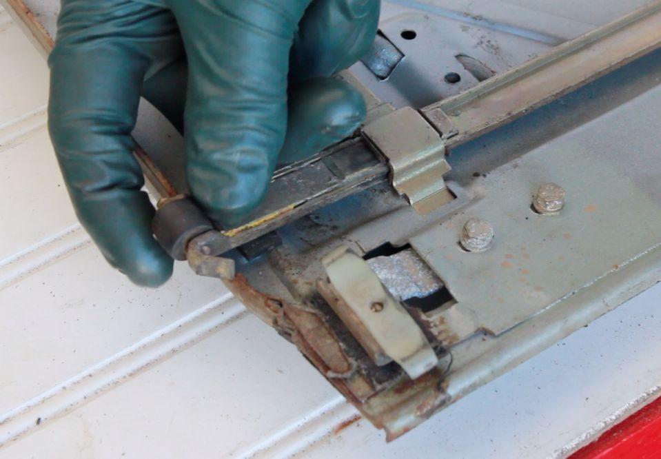 Manual Operating Sunroof Service And Repair