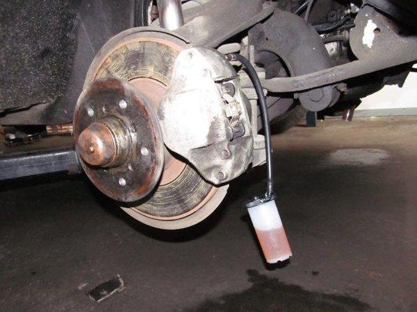 Fast 4 Brake System Fluid Gravity Bleed Pedal Pump Bleed Flush