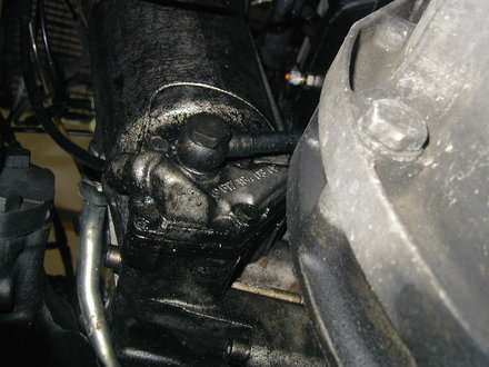 Isolating And Repairing Diesel Engine Fluid Leaks