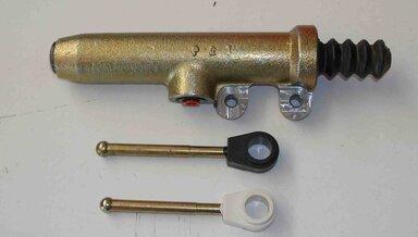 240D clutch slave cylinder